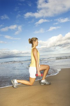 Walking lunge targets the glute muscles.