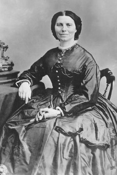 Clara Barton cared for many wounded Union soldiers after the Fredericksburg battle.