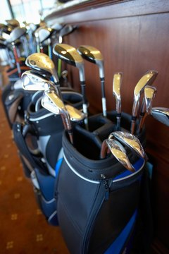 There are a few things to think about when choosing a golf bag.