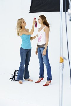 High-quality portfolio photos help employers and clients choose a hairdresser that is right for them.