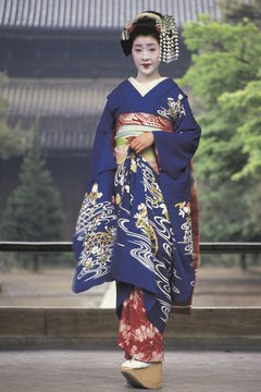 Woman in blue maiko dress