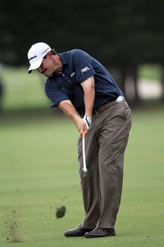Johnson Wagner plays a shot from Waialae Country Club's narrow fairways on his way to victory at the 2012 Sony Open.