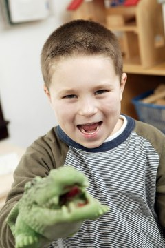 Use alligator crafts for preschoolers to inspire a love of reptiles.