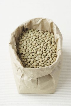 Lentils contain both vitamin C and zinc.