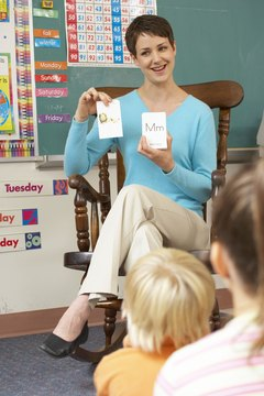 Flashcards will help preschoolers learn math and reading skills.