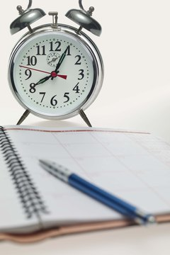 Manage your time efficiently as you plan your college semester.