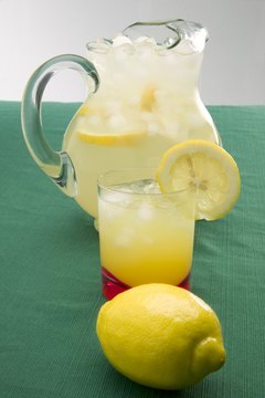 According to folk medicine, lemons may support the liver and kidneys.