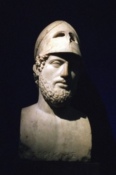 Pericles's greatest achievements include the building of the Parthenon and the Acropolis.