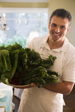 Leafy greens can help burn fat and detox the body.