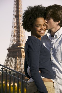 Bring the romantic city of Paris to your girlfriend with a few decorations.