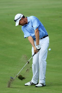 The large divot taken by Davis Love III is evidence he's a digger, rather than a picker.