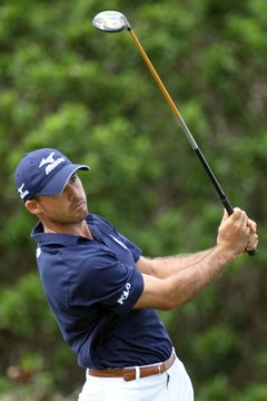 "Jonathan Byrd is a big fan of Ben Hogan; his upper arms stay ""super glued"" to his chest well into his finish."