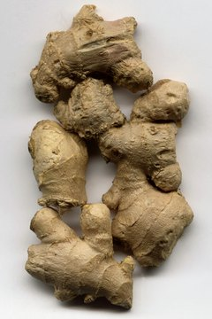 Ginger root can help fight inflammation associated with collie nose.