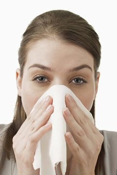 There is help to minimize your sneezing, itchy eyes and rashes around cats.