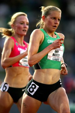 Amy Begley, right, and Shalane Flanagan hone their performances on treadmills.