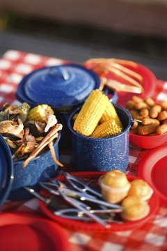 Picnics are a popular choice for summer homecomings.