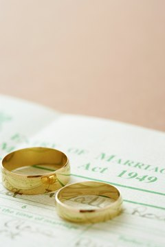 Pare down inessentials to focus on the main event: a new marriage.