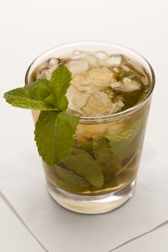 Mint leaves are rich in vitamin A, a nutrient important for eye health.