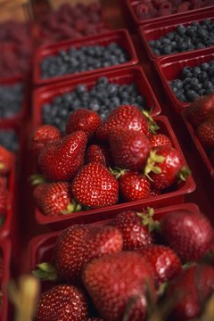 Fresh berries are a kidney-friendly food.
