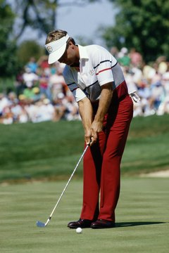 Ben Crenshaw uses his least-lofted club, a 1-iron, in place of his broken putter during the 1987 Ryder Cup.