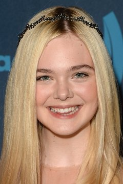 Elle Fanning sports a fresh face at the 24th Annual GLAAD Media Awards in Los Angeles, California.