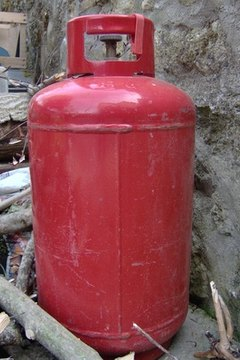 Hazardous liquid materials must be in solid containers.