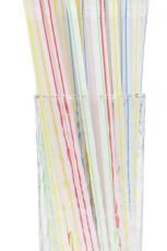 Drinking straws wrapped with rubber bands protect the egg.