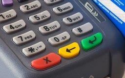 Un negocio de cuentas mercantiles maneja el procesamiento de tarjetas de crédito.