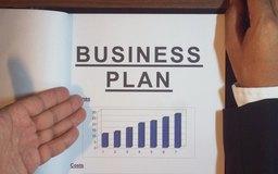 Conseguir dinero para expandir tu negocio comienza con un plan profesional de negocios.
