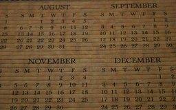 Marca todas las fechas límites para declarar impuestos en un calendario.