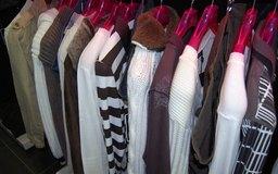 Las tiendas de ropa pequeñas pueden prosperar en áreas urbanas.