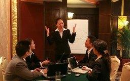 Los enunciados de la visión y la misión pueden ayudar a los empleados a mantenerse comprometidos en el proceso de planeamiento estratégico.