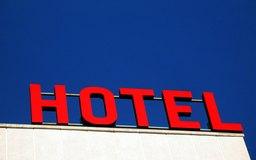 La mayoría de hoteles operan usando una estructura organizacional funcional.