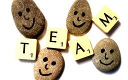 La formación de equipos es una forma divertida de crear un grupo cohesionado de empleados.