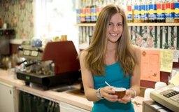 Las cafeterías son lugares de trabajo atractivos para los adolescentes enérgicos.
