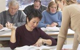 Durante la sesión de orientación, los empleados tienen la oportunidad de relacionarse con los ejecutivos de la compañía.