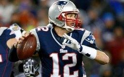 La mayoría de los jugadores de la NFL, inclusve Tom Brady, asistieron a la universidad durante tres o cuatro años.