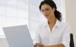 Los contadores mantienen los registros financieros.