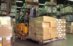 Un distribuidor permite a la empresa enfocarse en fabricar sus productos.