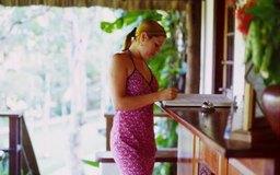 Una recepcionista de spa exitosa es organizada y eficiente.