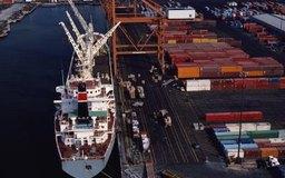 Un gerente de logística debe determinar la manera que de obtener la mayor relación costo-beneficio al transportar los bienes de la compañía.