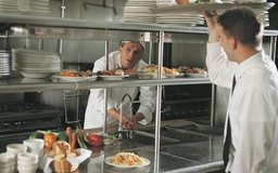Muchos gerentes de restaurantes suben en el escalafón.