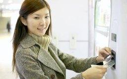 Las máquinas expendedoras que aceptan billetes brindan comodidad al cliente y generan más ganancias.