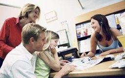 Los agentes de viajes prestan ayuda a individuos, familias y empresas.