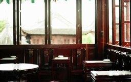 Usa un pequeño espacio para según tu ventaja al diseñar tu restaurante y bar.