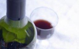 Ofrece sesiones de degustación de vino para tus clientes.