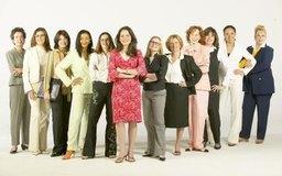 La educación y los servicios de salud emplean a la mayoría de las mujeres trabajadoras.