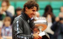 Rafael Nadal se ha hecho rico jugando tenis, pero es parte de un grupo selecto.