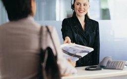 Los asistentes de recursos humanos desarrollan una amplia variedad de deberes administrativos.