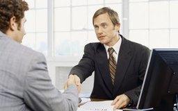 Una advertencia verbal es uno de los pasos que deben realizarse antes de considerar una suspensión o un despido.